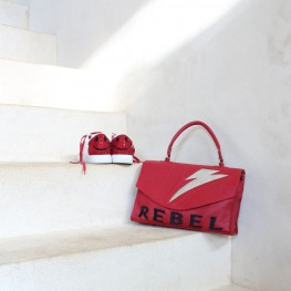 Sac rock en cuir rouge brodé Rebel